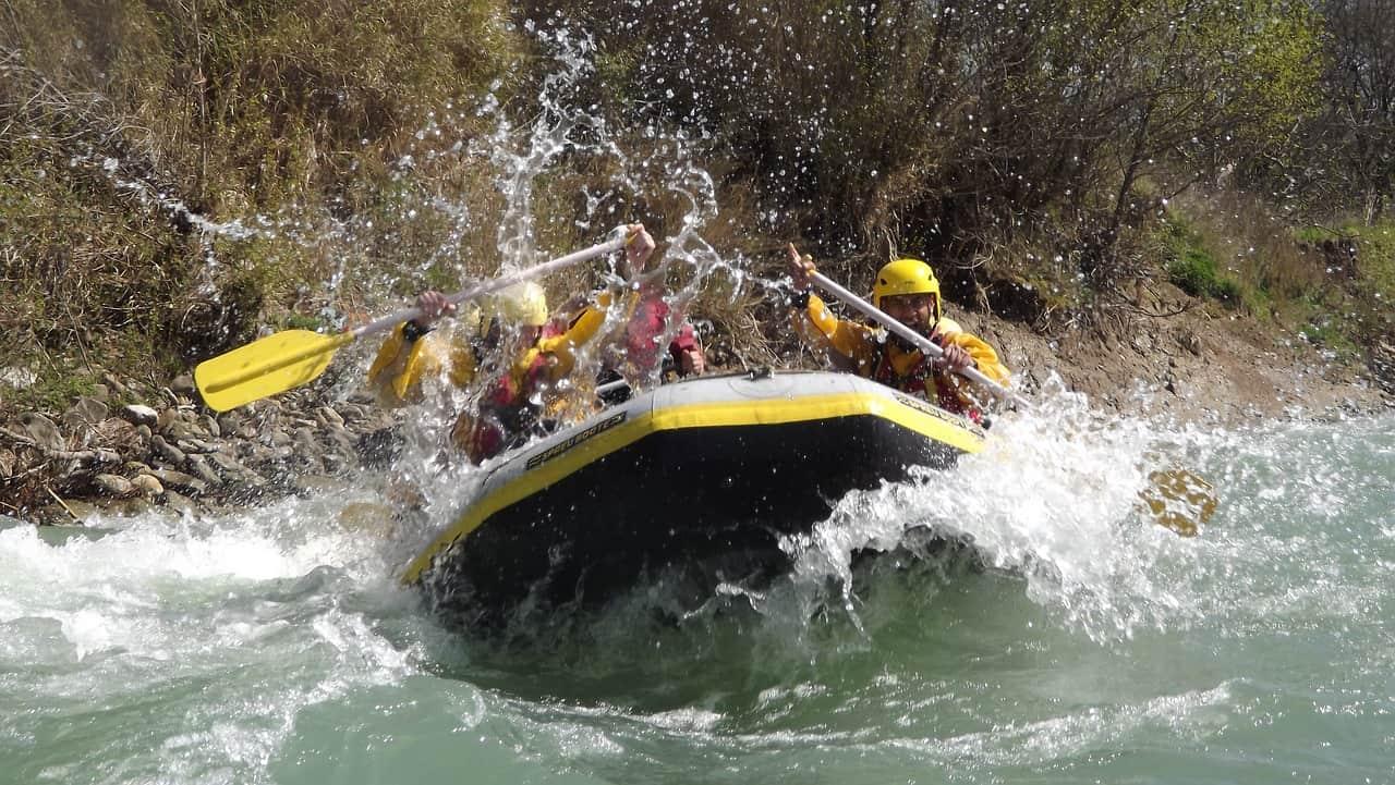 Nepal raften kayak